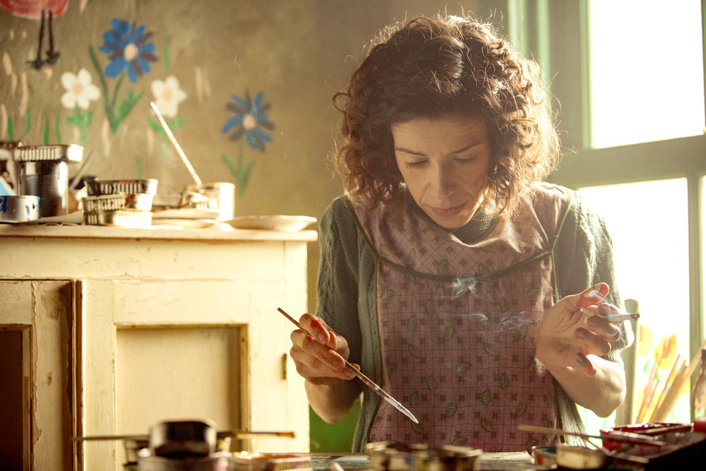 Sally Hawkins wows as famous folk painter Maud Lewis