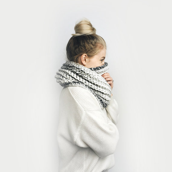 Debrosse NYC | Chunky Knit Infinity Scarf in Marble Gray $62