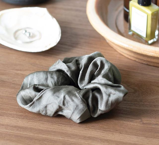 The Guide to Intentional Giving 🎁 ~ | Upcycled Silk Scrunchie | The Scrunchie is back! A Silk scrunchie is such a fun statement piece- a perfect little gift for a sister or girlfriend💅@winden 's upcycled 100% silk scrunchie is created entirely from the premium, naturally dyed textile remnants left over from Miranda Bennett Studio ♻️