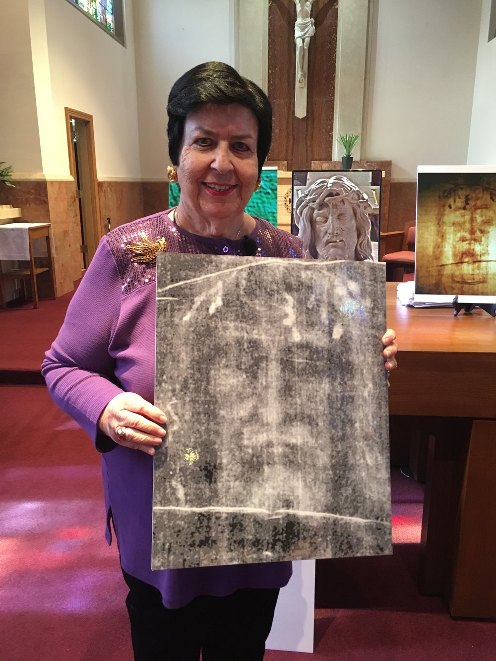 Dr. Raymonda Hickey during her presentation on The Shroud of Turin at Youville Place.