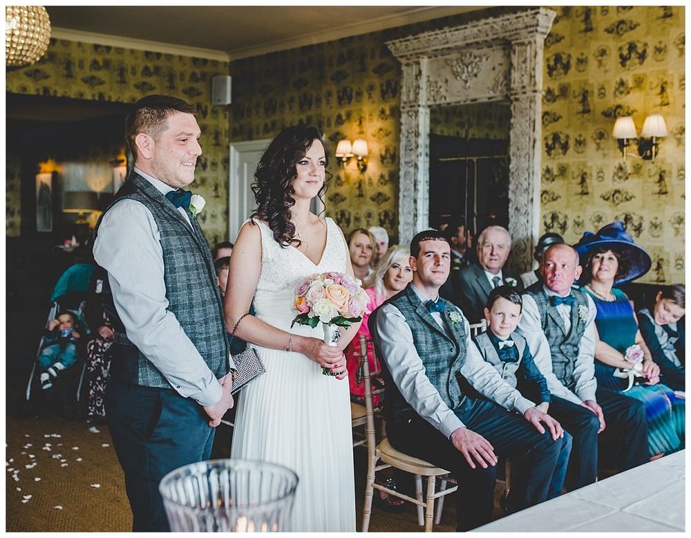 Shireburn Arms Wedding Photography (15)