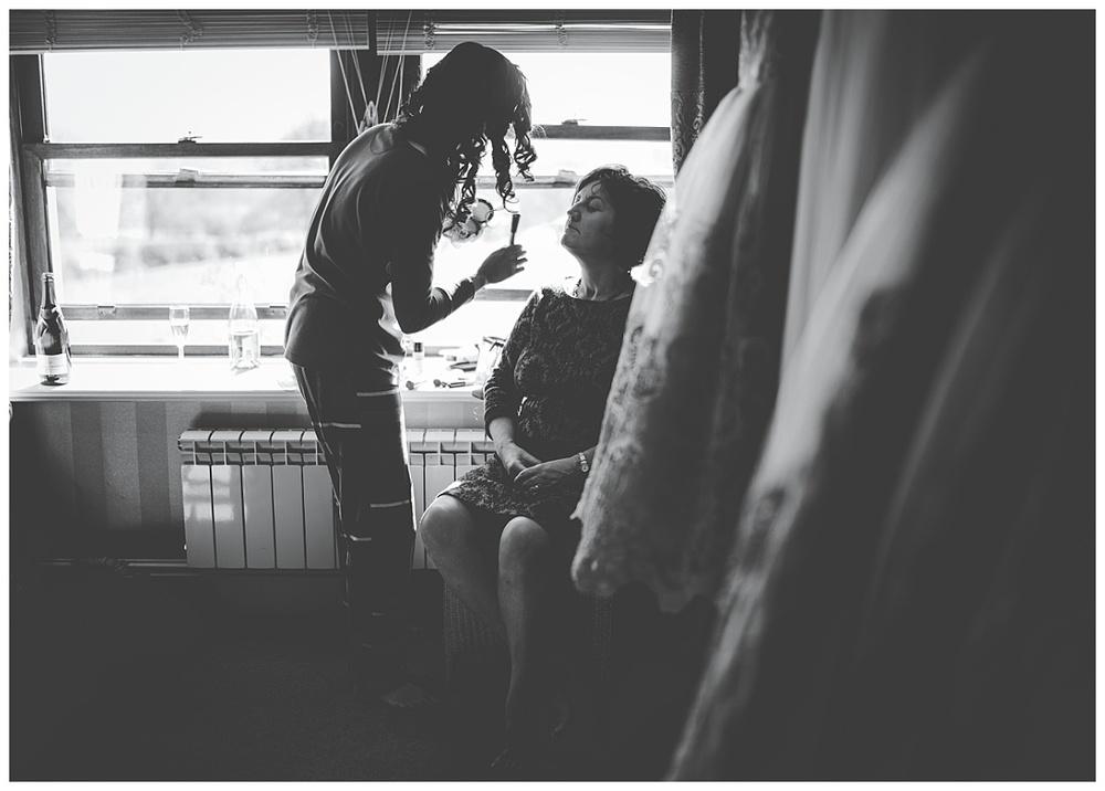 Shireburn Arms Wedding Photography (4)