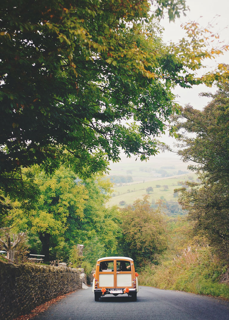vintage themed wedding in lancashire - moris minor car