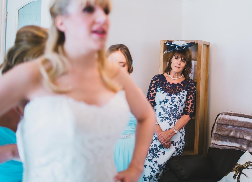 lancashire documentary wedding photographer - bride's mum