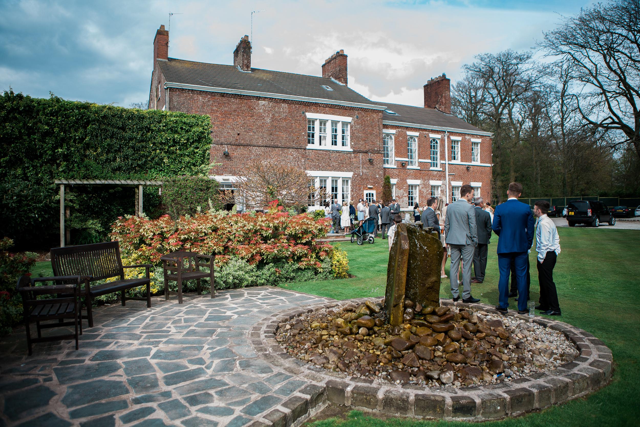 guests enjoying the sunshine at singleton lodge wedding