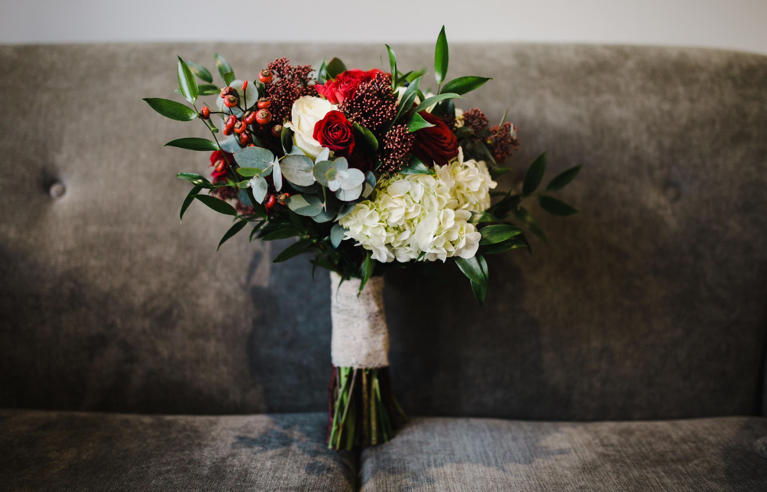 winter wedding bouquet - north west wedding photographer