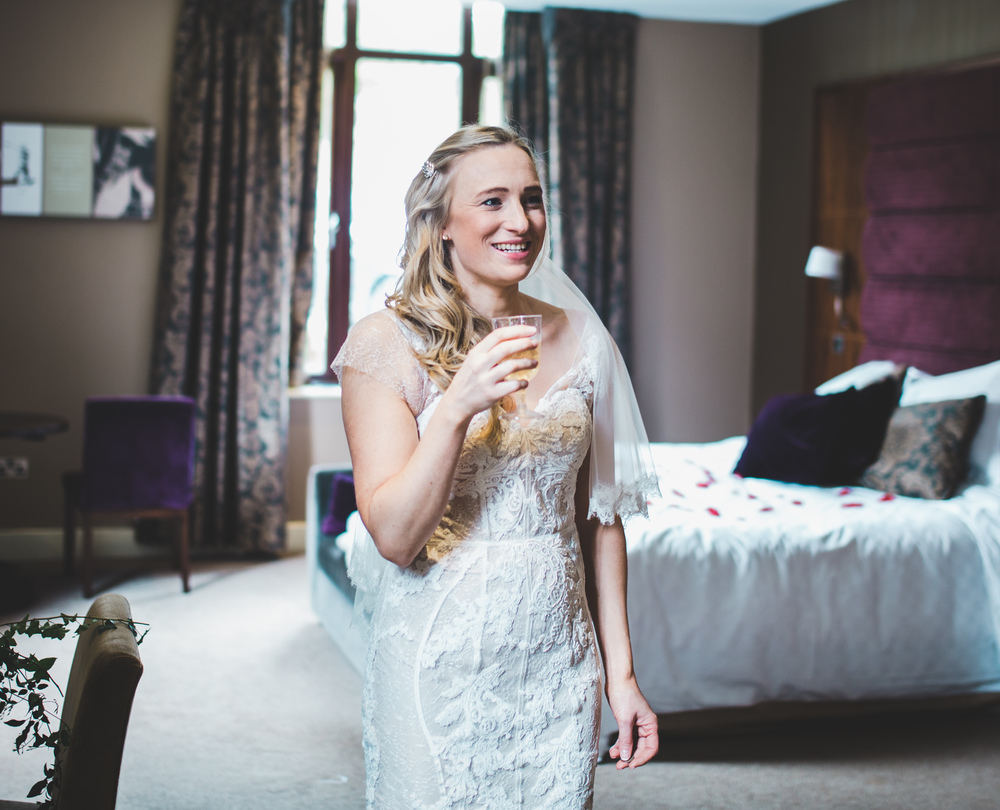 Champagne for the bride at the Oak Tree of Peover.