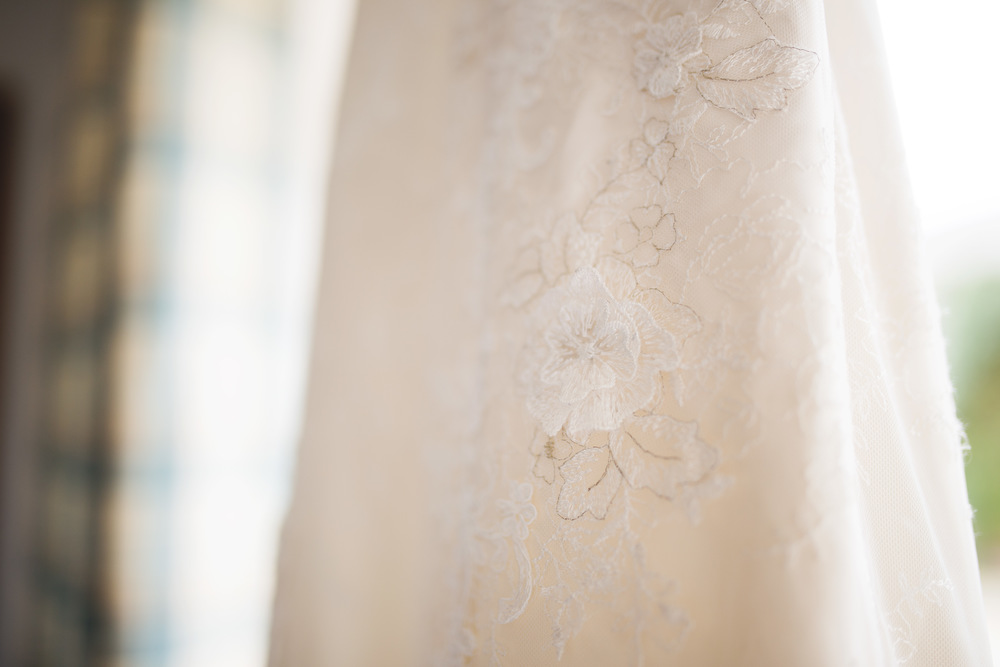 Creative weddin gphotographer- Wedding dress detail