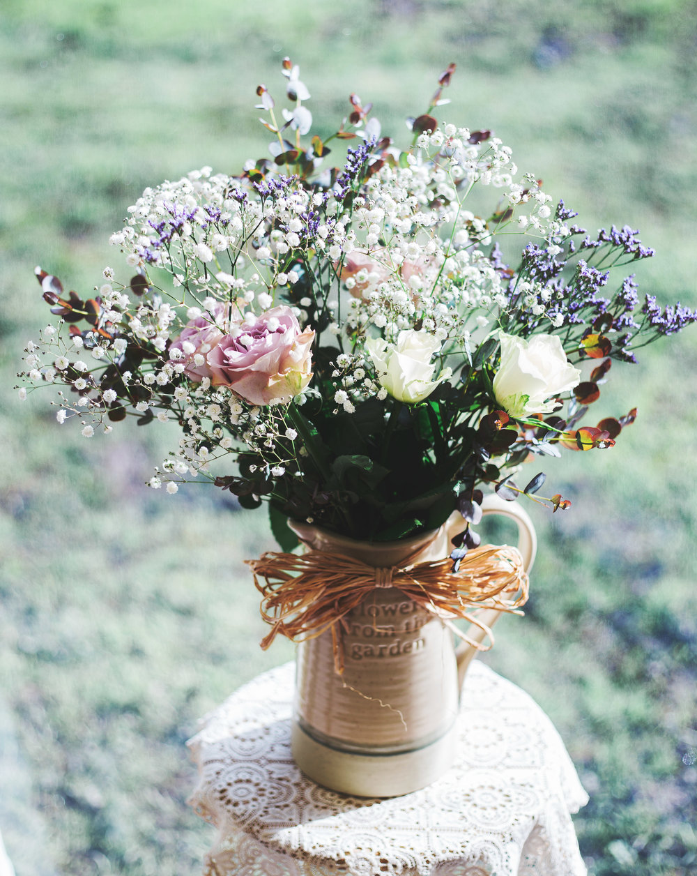The bridal flower bouquet for the vintage rustic wedding