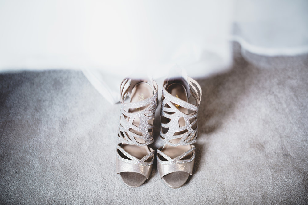 The bridal shoes- Relaxed wedding photography