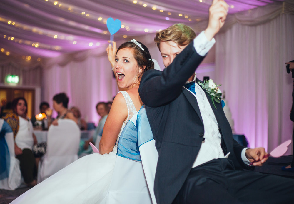 Cheering from the bride and groom- Fun happy wedding