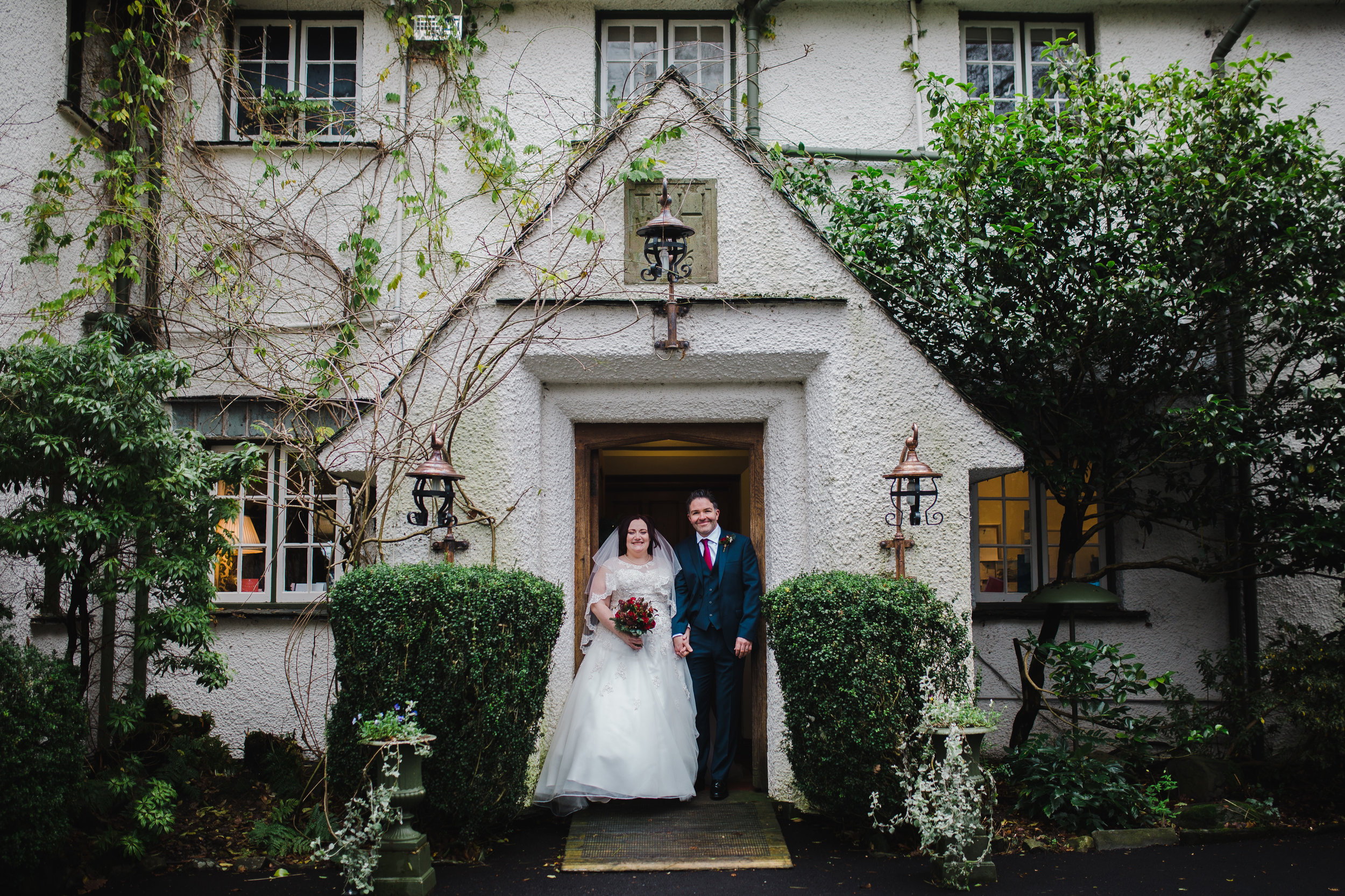 winter wedding in the lakes - couples portraits