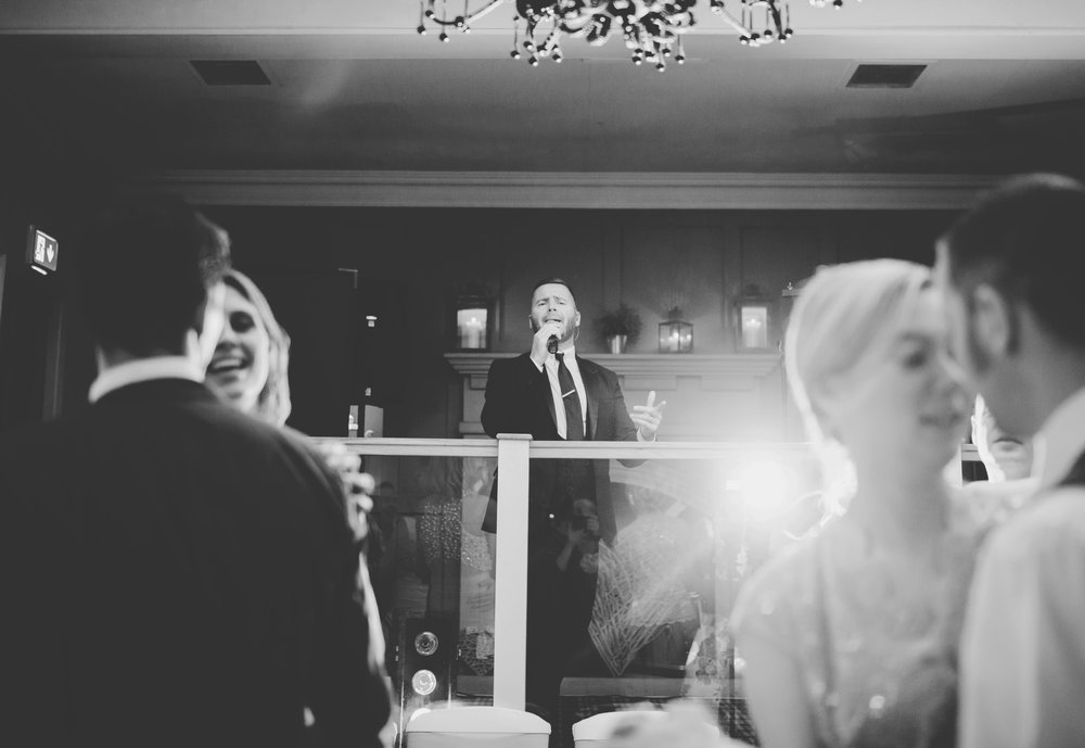 The wedding singer in black and white- creative wedding photography