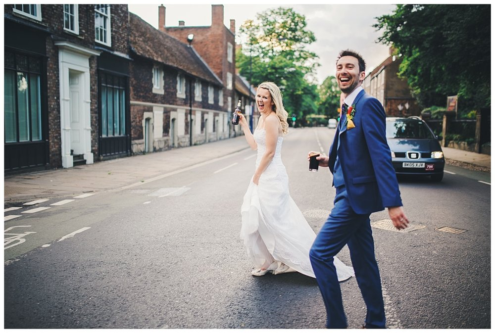 relaxed documentary wedding pictures