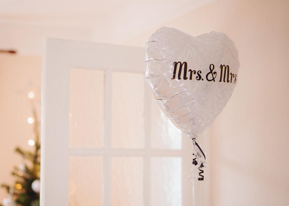 North west wedding photographer  - wedding balloon