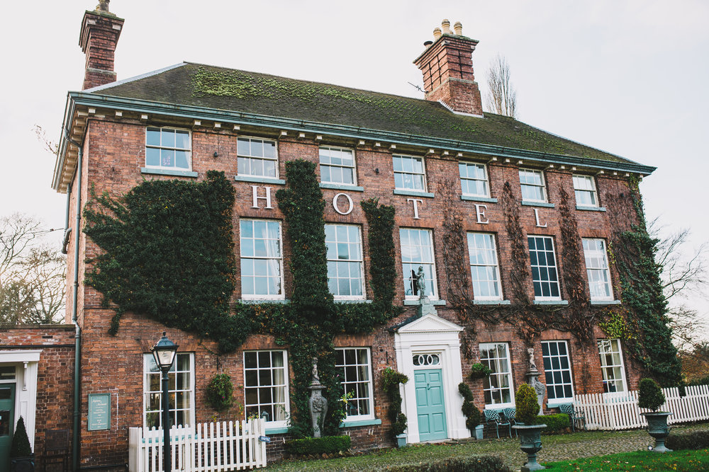 the mytton and mermaid - exterior shot of wedding venue