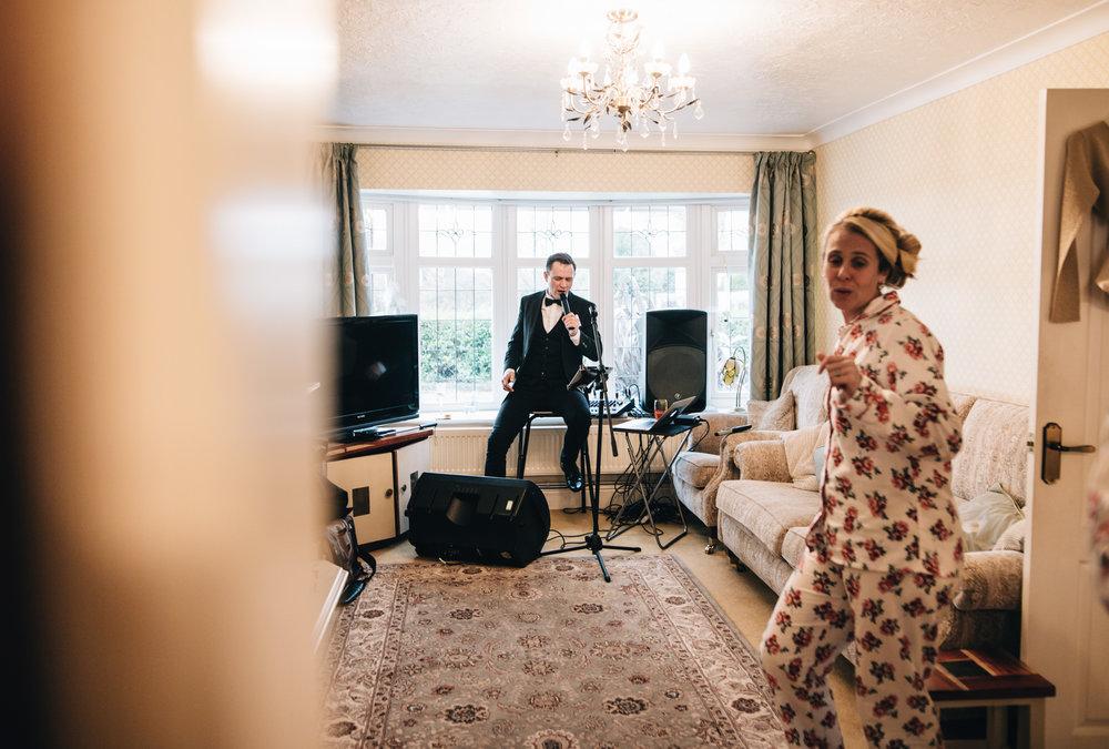 Manchester Wedding Photographer - live entertainment during bride prep!