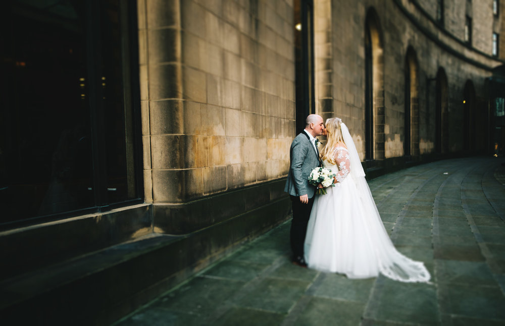 stylish wedding pictures in manchester city centre