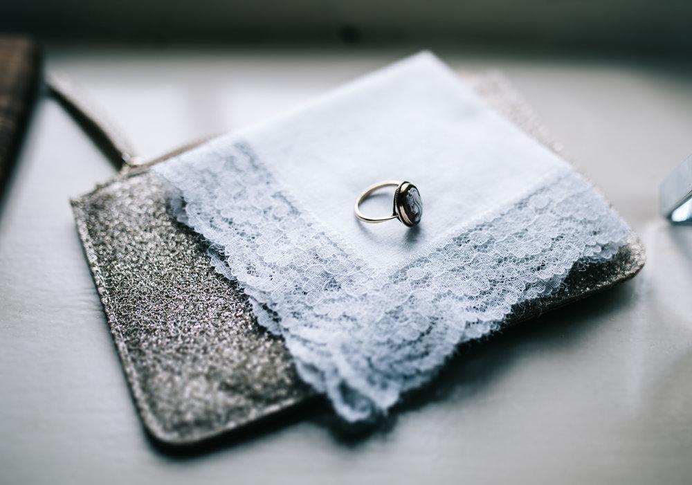 the bride's ring - details of bride prep