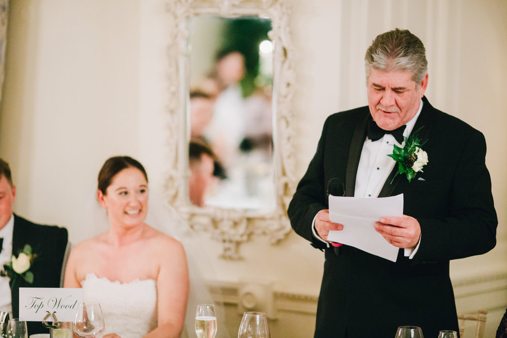 brides dad gives speech - documentary wedding images