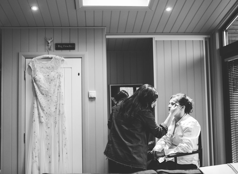 documentary images of the bridal prep at Broadoaks Wedding Venue