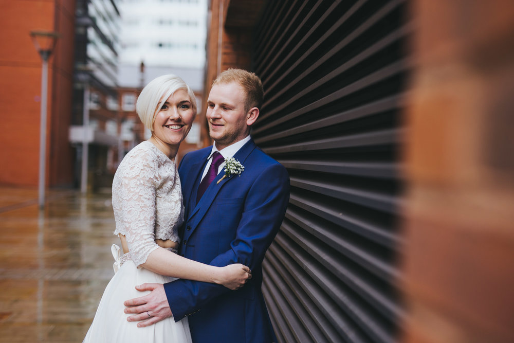 no posing - just relaxed wedding pictures manchester