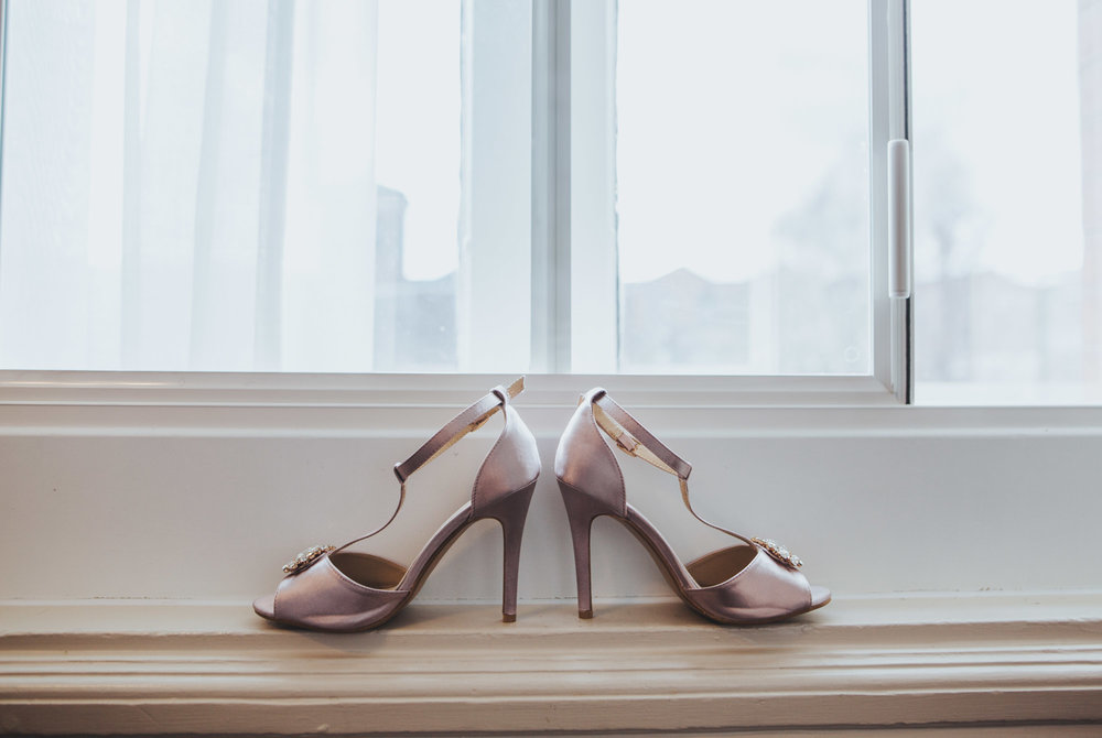 brides' shoes - love the detail shots