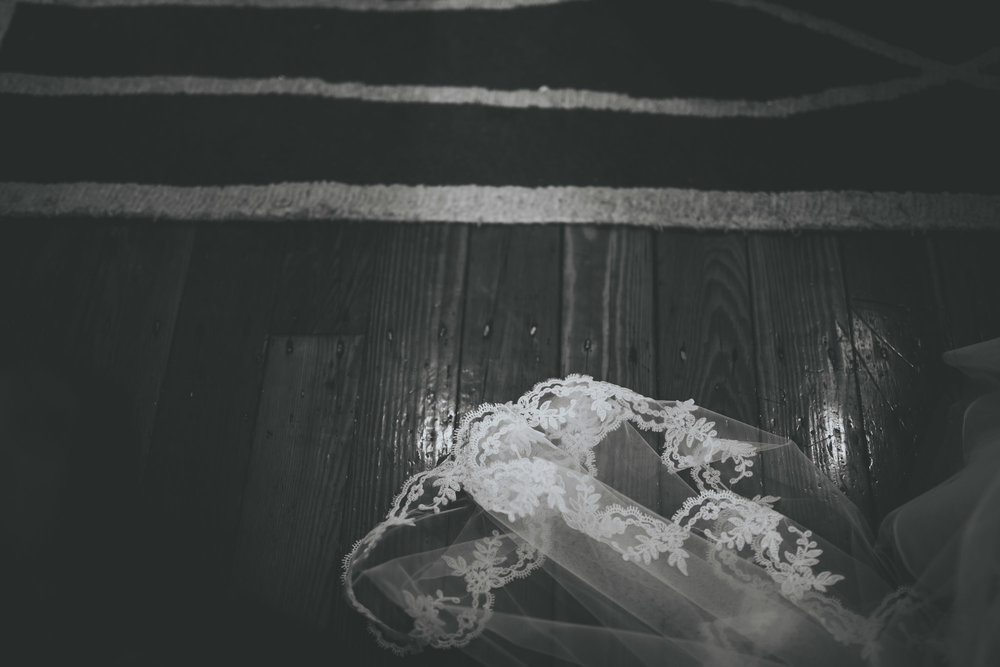 veil trailing on the floor