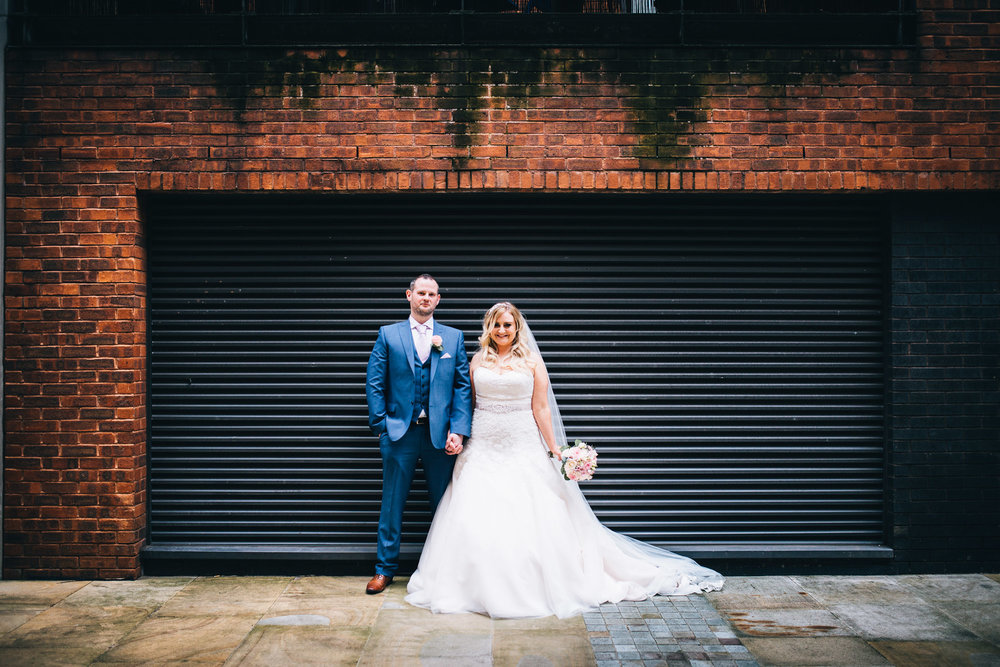fun and quirky wedding pictures around the city centre
