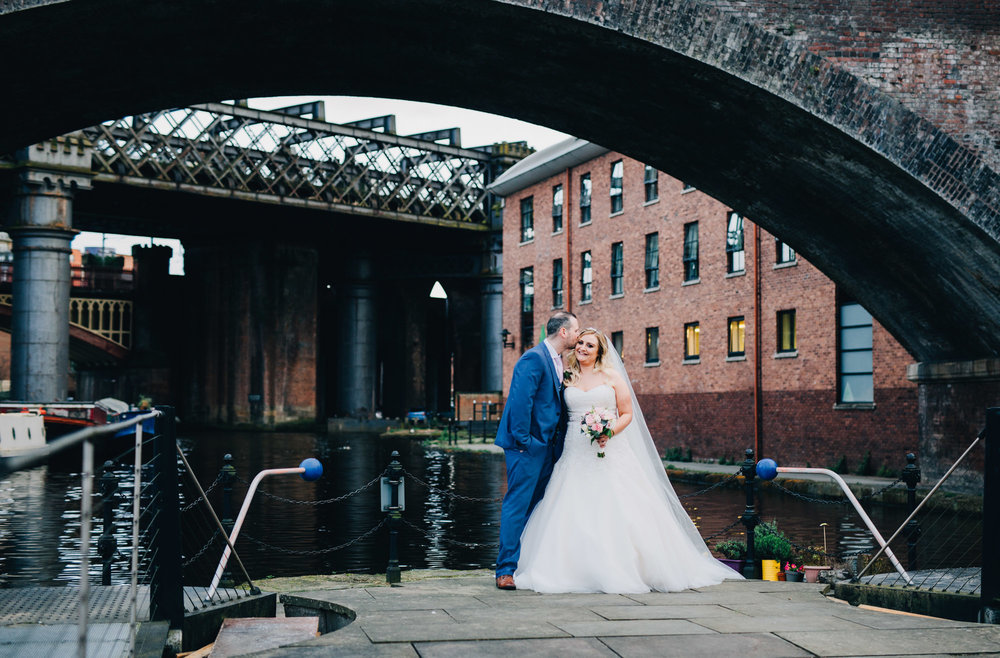 by the canal - wedding pictures in Manchester