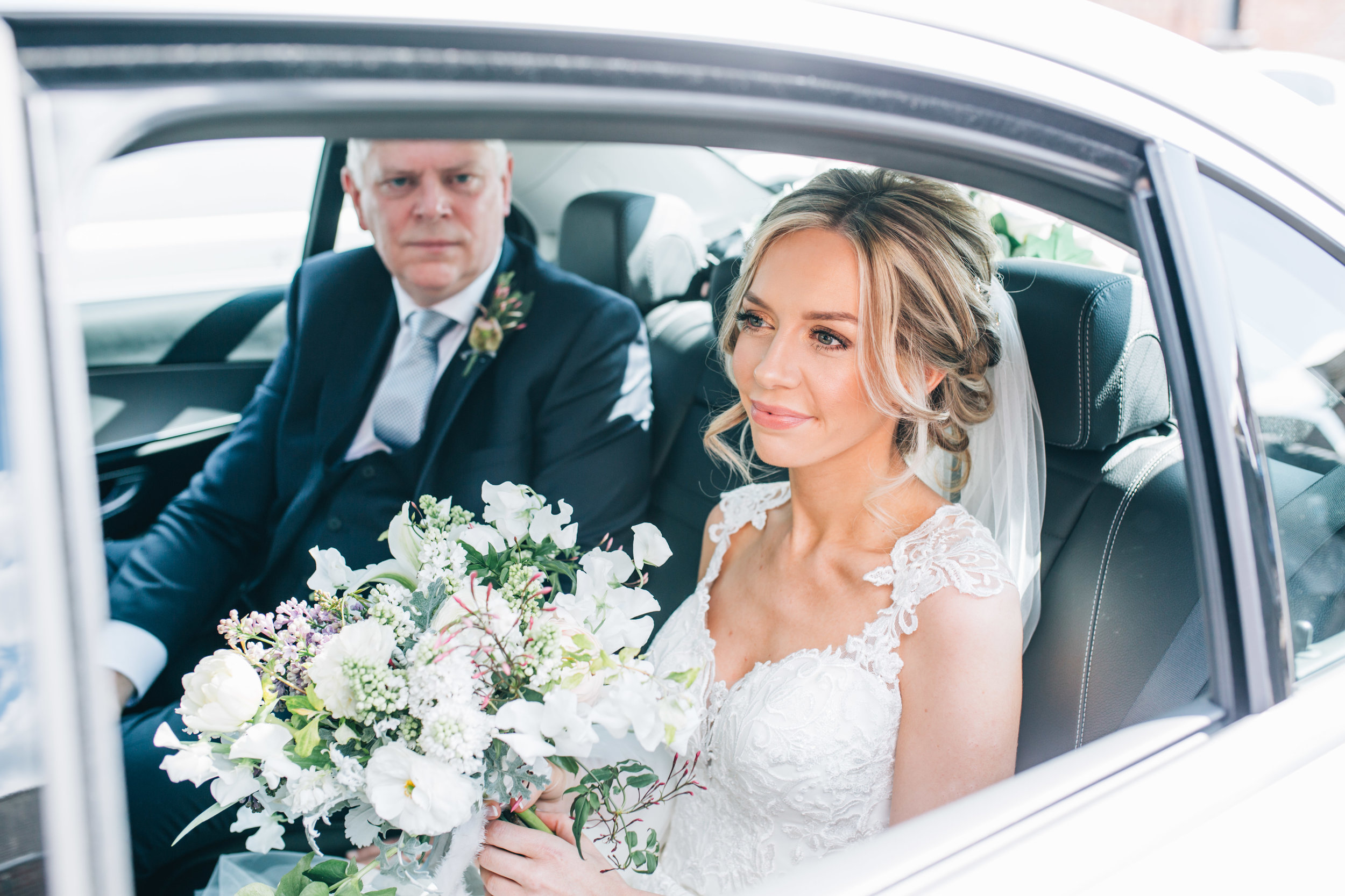 Bride arrives at Church - Cheshire wedding photography