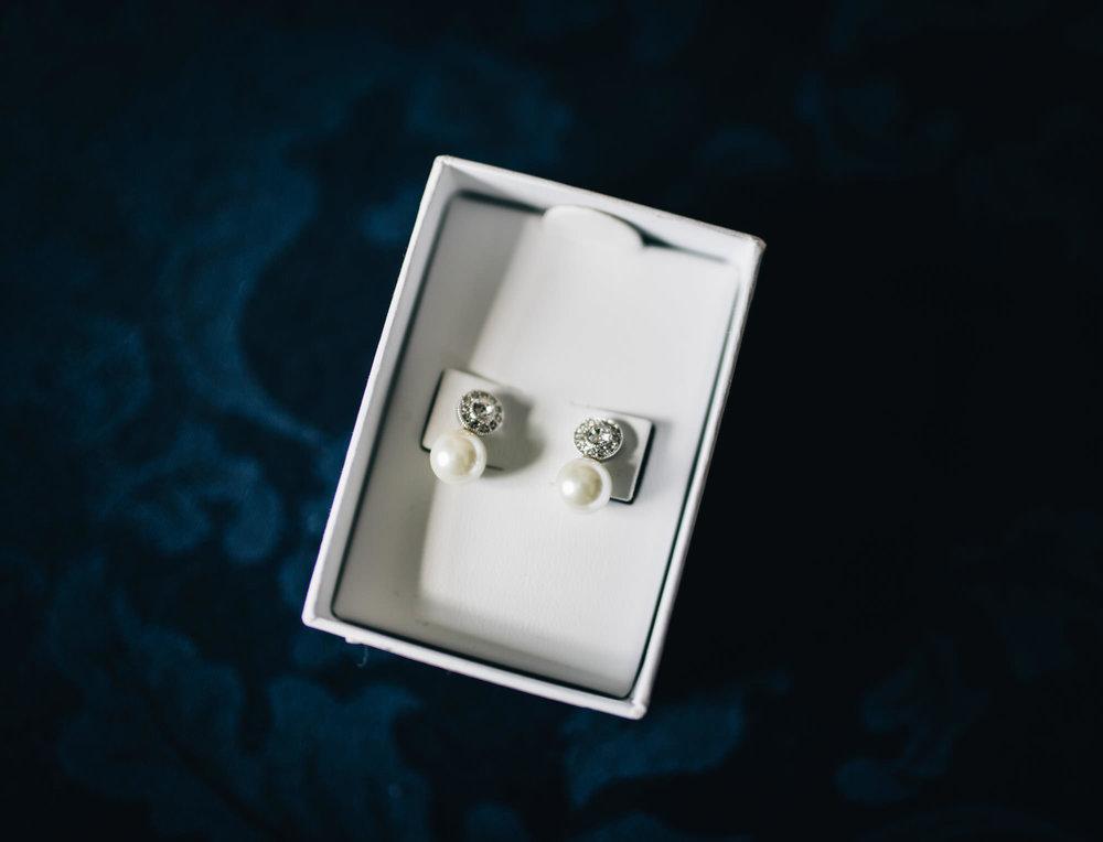 bride's pearl earrings - wedding day jewellery