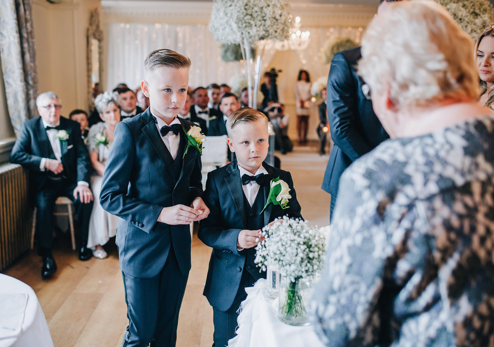pageboys bring the ring