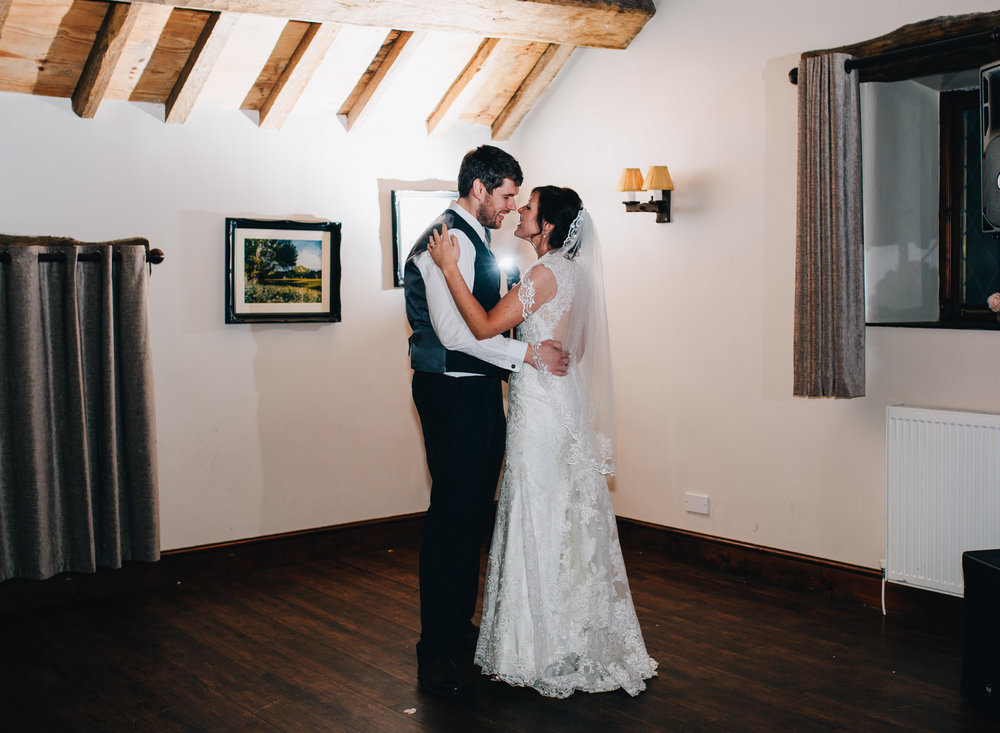 Hyde Bank Farm Wedding Pictures - Meg and Nick 00003.jpg