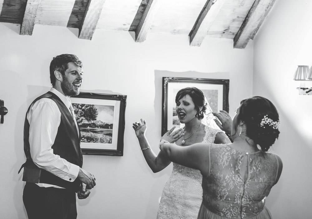 Hyde Bank Farm Wedding Pictures - Meg and Nick 00011.jpg