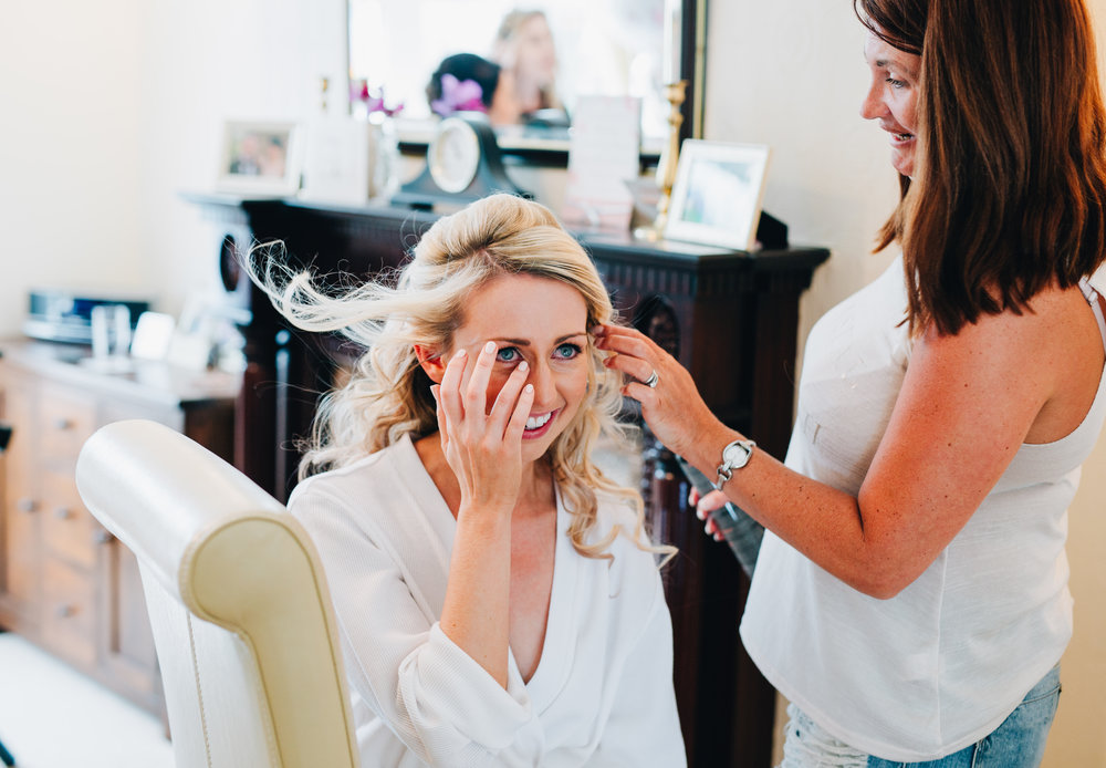 The bride getting ready for her big day, A Great Hall at Mains.
