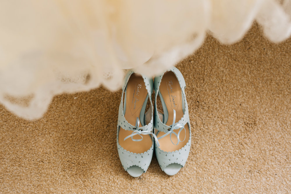 Pastel green shoes for the pastel themed wedding, Relaxed wedding.