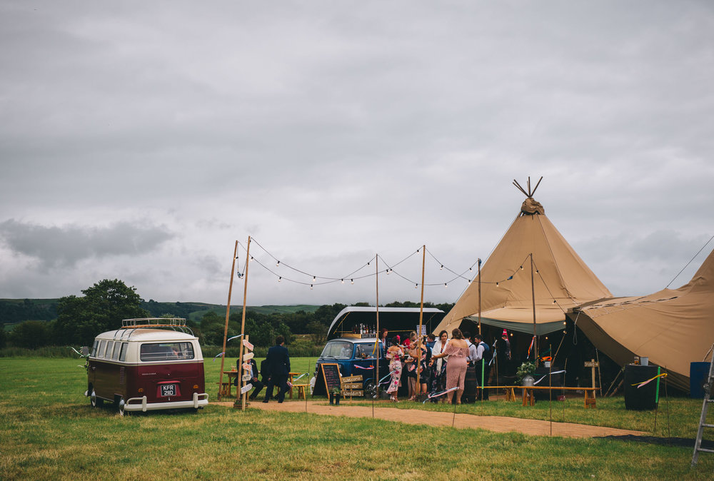 exterior images of the tipi - north west wedding photography