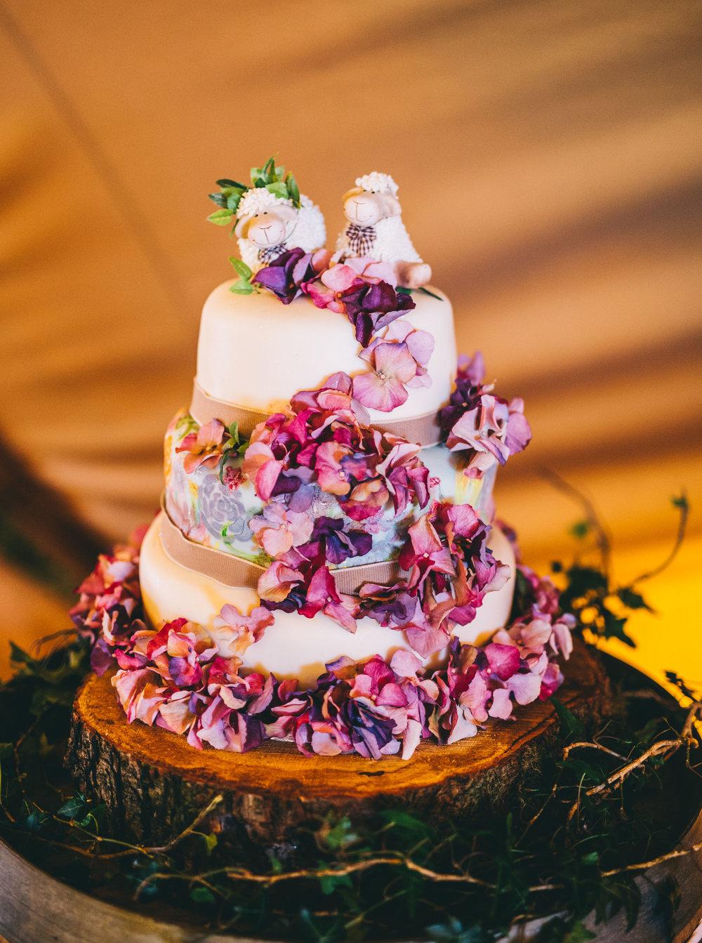 handmade wedding cake. north west wedding photography