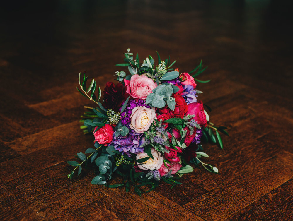 picture of the bride's bouquet by Sian Wild Flower lounge