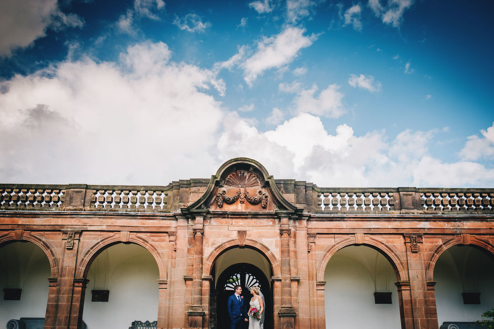 fun and quirky wedding pictures at thornton manor
