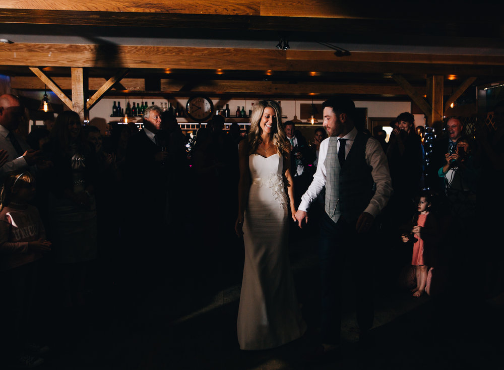 evening reception at the inn on the lake
