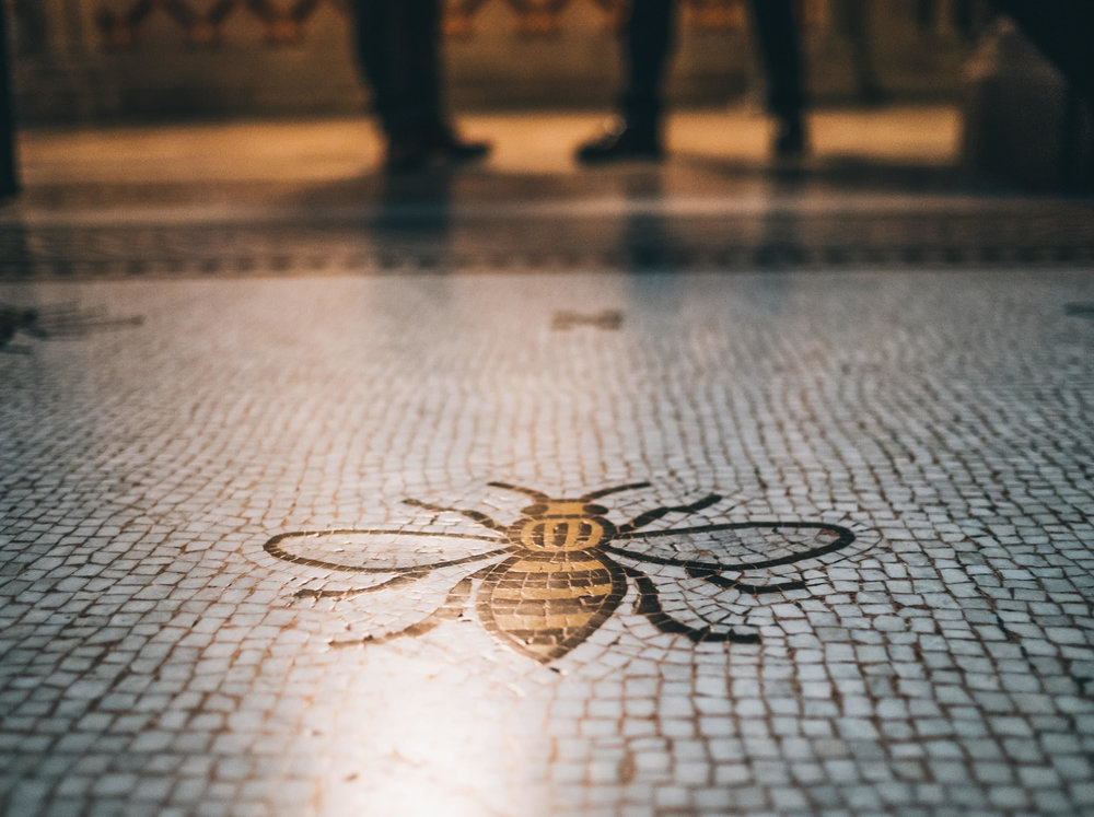 the iconic Manchester bees - Manchester wedding photographer