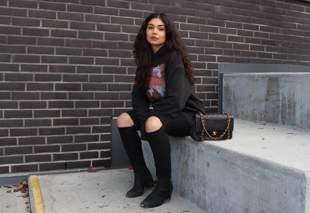 Sweater    / Hm  (Men`s department)    Handbag/ Chanel     Shoes/ SixtySeven     Jeans/ Bikbok