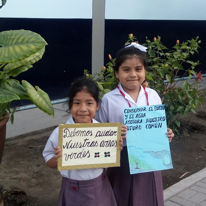 AMAMOS Y CUIDAMOS NUESTRO PLANETA    PEP: Sandra Olivares - Educación  GRADO: 1ro de Primaria  REGIÓN: Piura   Generar conciencia ambiental en la mayor cantidad de personas de la comunidad.