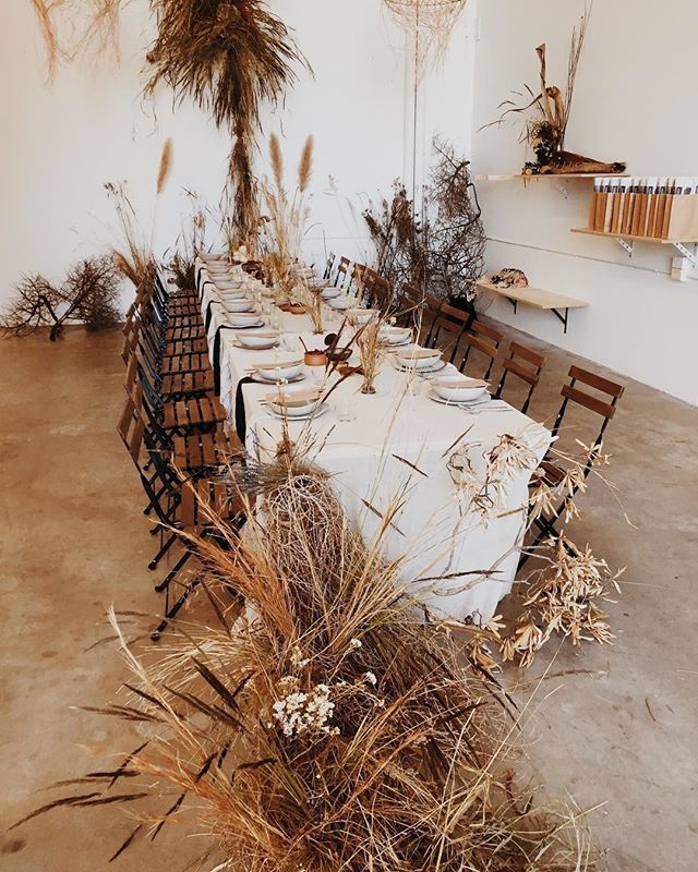Feast design inspo 😍 from @thenimbusco + @anamundistudio #feastoffriendlystrangers⠀⠀⠀⠀⠀⠀⠀⠀⠀ ⠀⠀⠀⠀⠀⠀⠀⠀⠀ 📷: @anamundistudio