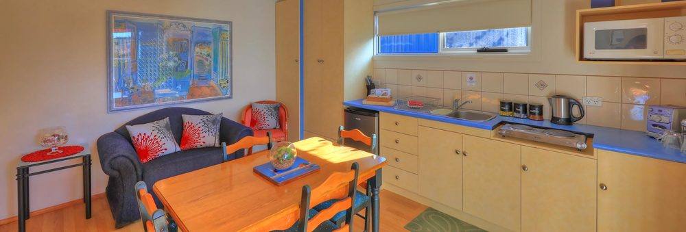 Pier Studio   A LARGE COMFORTABLE SELF-CONTAINED 1 BEDROOM APARTMENT