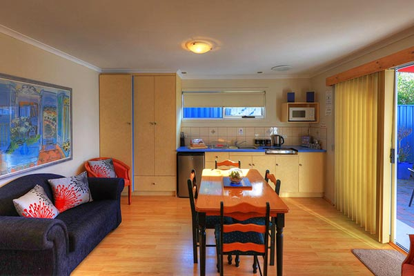 <a href=the-pier-studio>Pier Studio → <strong>A LARGE COMFORTABLE SELF-CONTAINED 1 BEDROOM APARTMENT</strong></a><br />