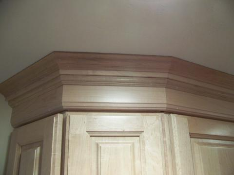 Custom kitchen cabinet moldings