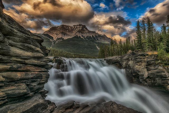 Lost in the clouds #photographer #canada #sky #beautiful #photoftheday #jonathantucker #landscape #photography #waterfall #morning #hike #travel #traveling #alberta #jaspernationalpark #summer  #sun #sunset